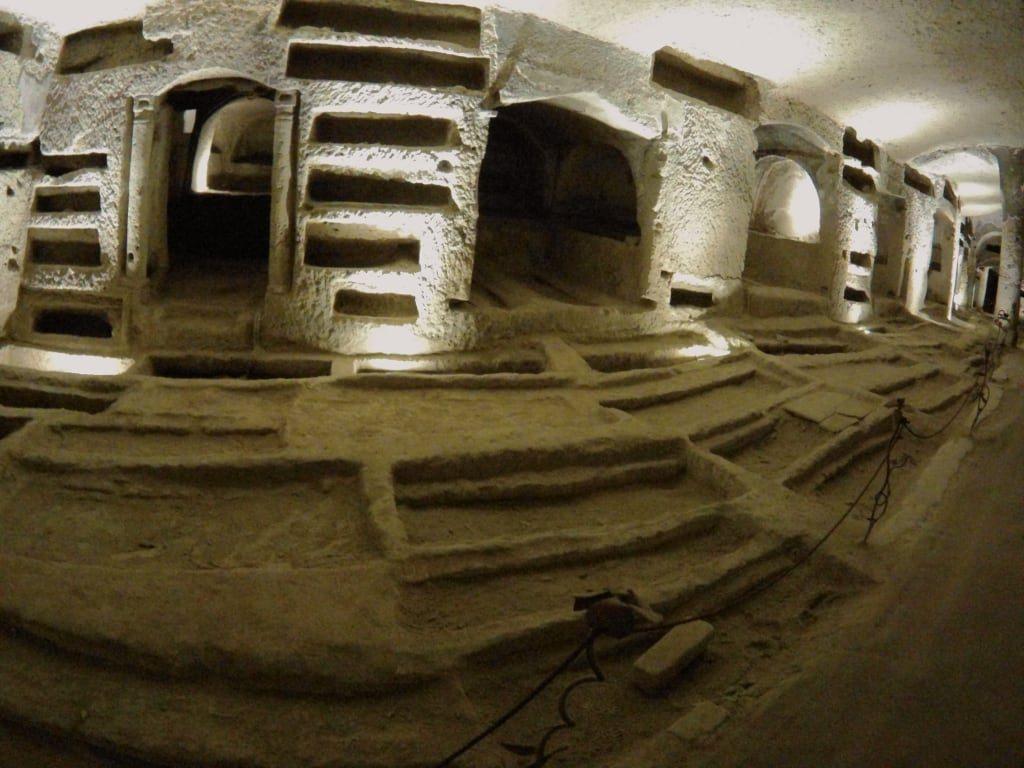 Le Catacombe di San Gennaro, una meravigliosa esperienza di bellezza, arte e storia-4