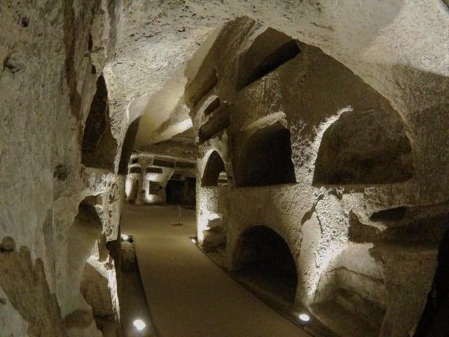 Le Catacombe di San Gennaro, una meravigliosa esperienza di bellezza, arte e storia-5