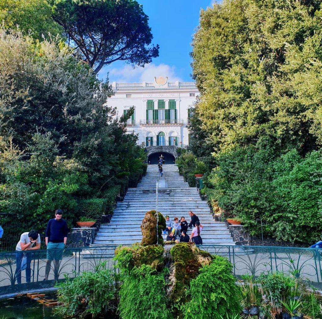 Napoli, Villa Floridiana immersa nel degrado, appello al ministro Bonisoli affinché si intervenga-2