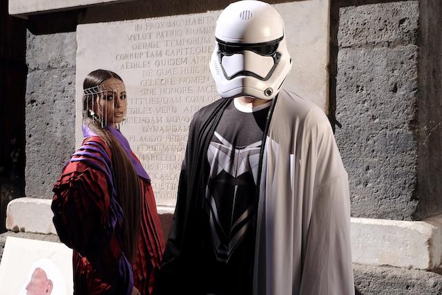 """Lo Stilista Saverio ventura indossa personalmente un capo della sua collezione """"All Star Wars"""""""