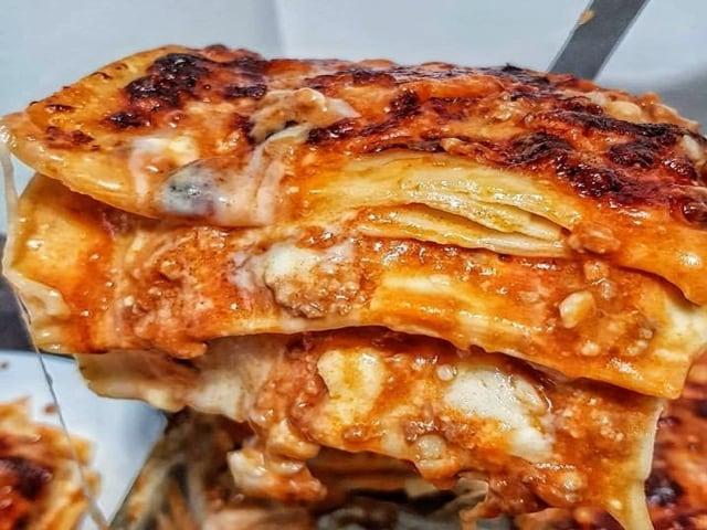 Sua Maesta la Lasagna, oggi, su tutte le tavole delle famiglie napoletane-1