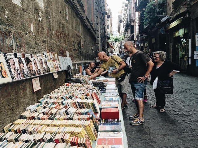 Via San Biagio dei Librai, Napoli, tra cultura, storia e leggenda-1