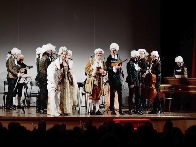 E' quatto stagione e Napule- grande successo al Teatro Acacia -di Napoli, con Amedeo Colella- crono.news