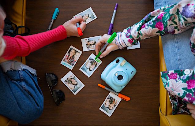 I tuoi pensieri più belli per personalizzare le tue foto istantaneev